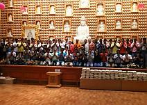 스리랑카법당 단체.jpg